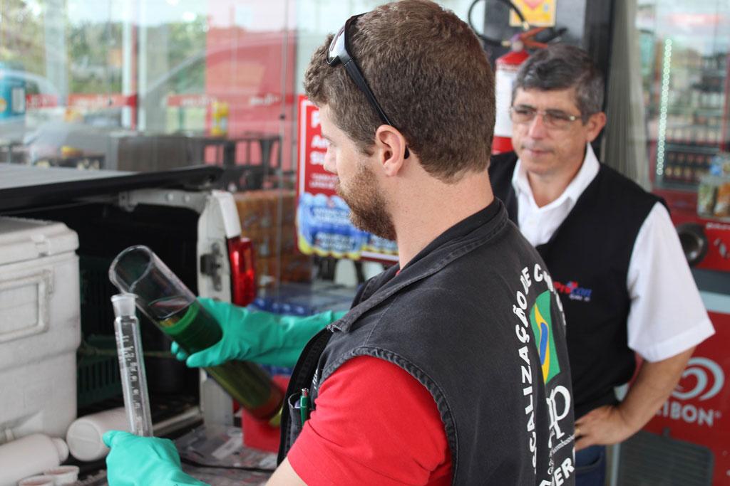 Içara: Postos de combustíveis são fiscalizados por Agência Nacional do Petróleo e Procon