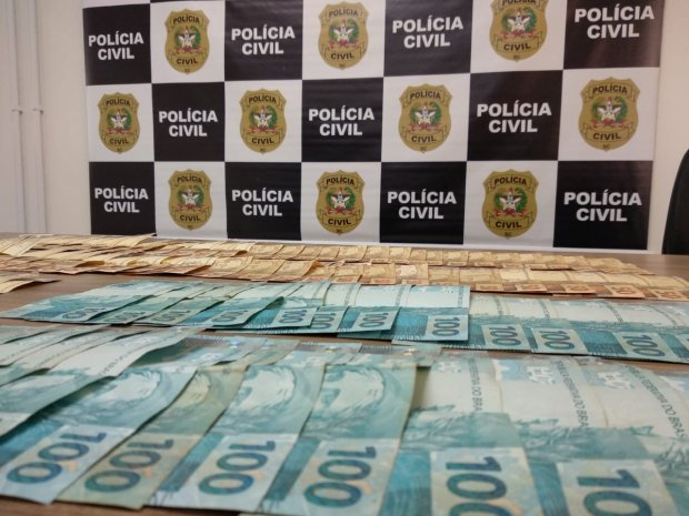 Segurança Pública DEIC cumpre 17 mandados de busca e apreensão em Santa Catarina e Paraná