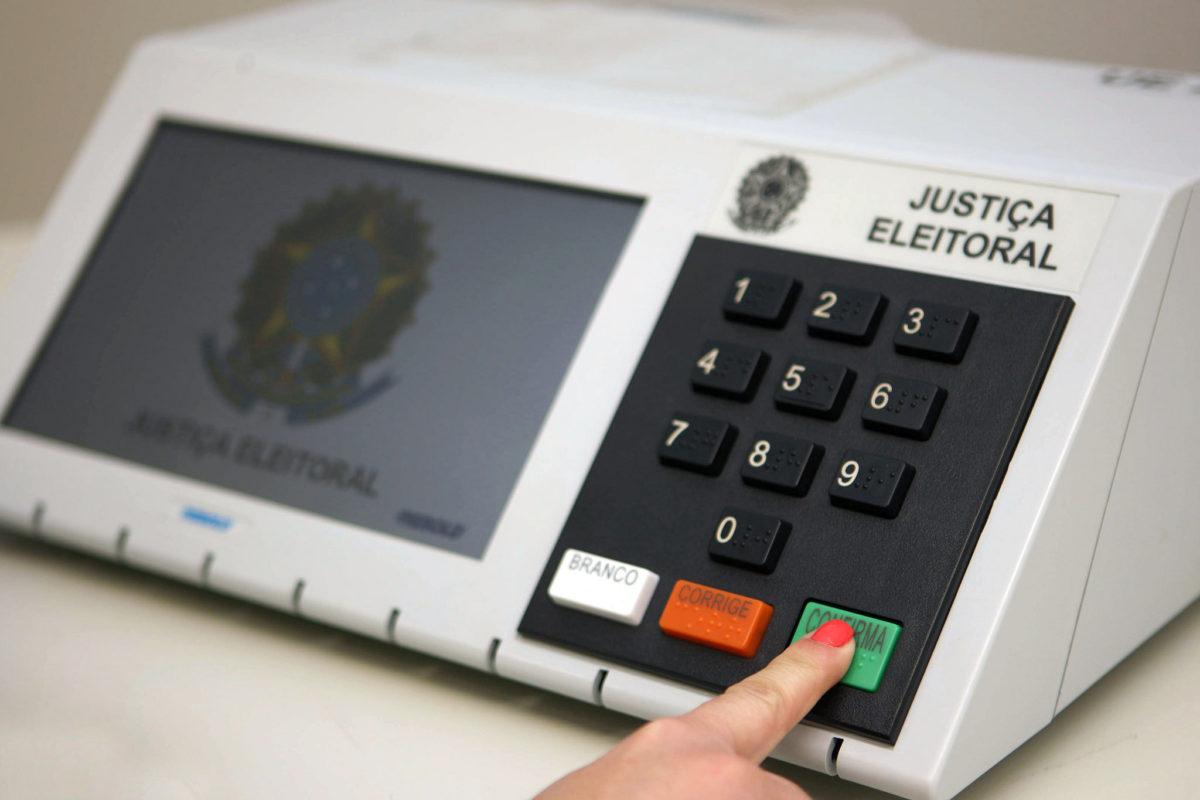 Candidatos devem regularizar situação eleitoral até 6 de maio