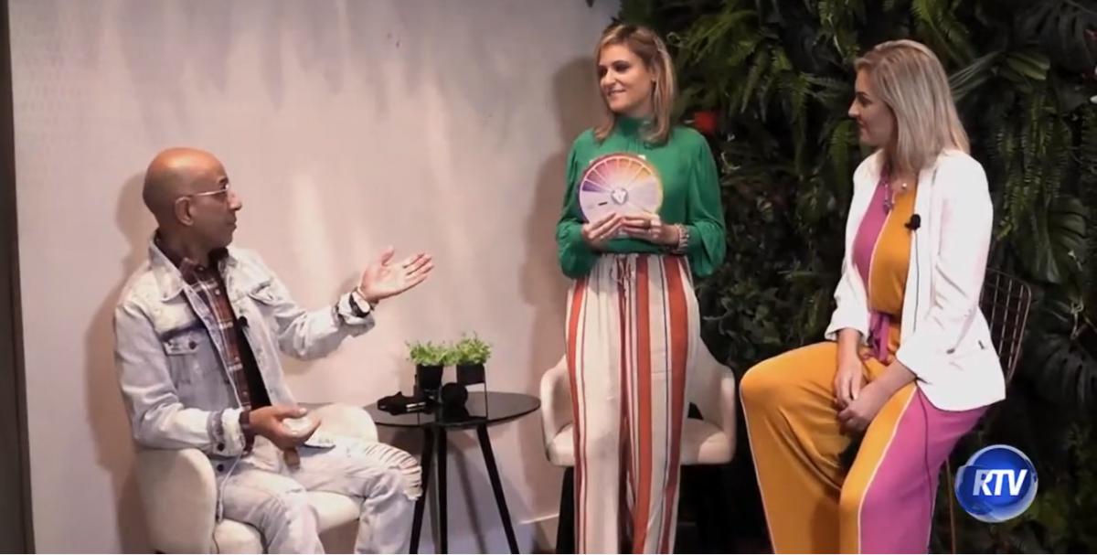 Kyze Clauman Você Mais Jovem By Lee Montenegro falando com Josi Elias da loja Trânsito